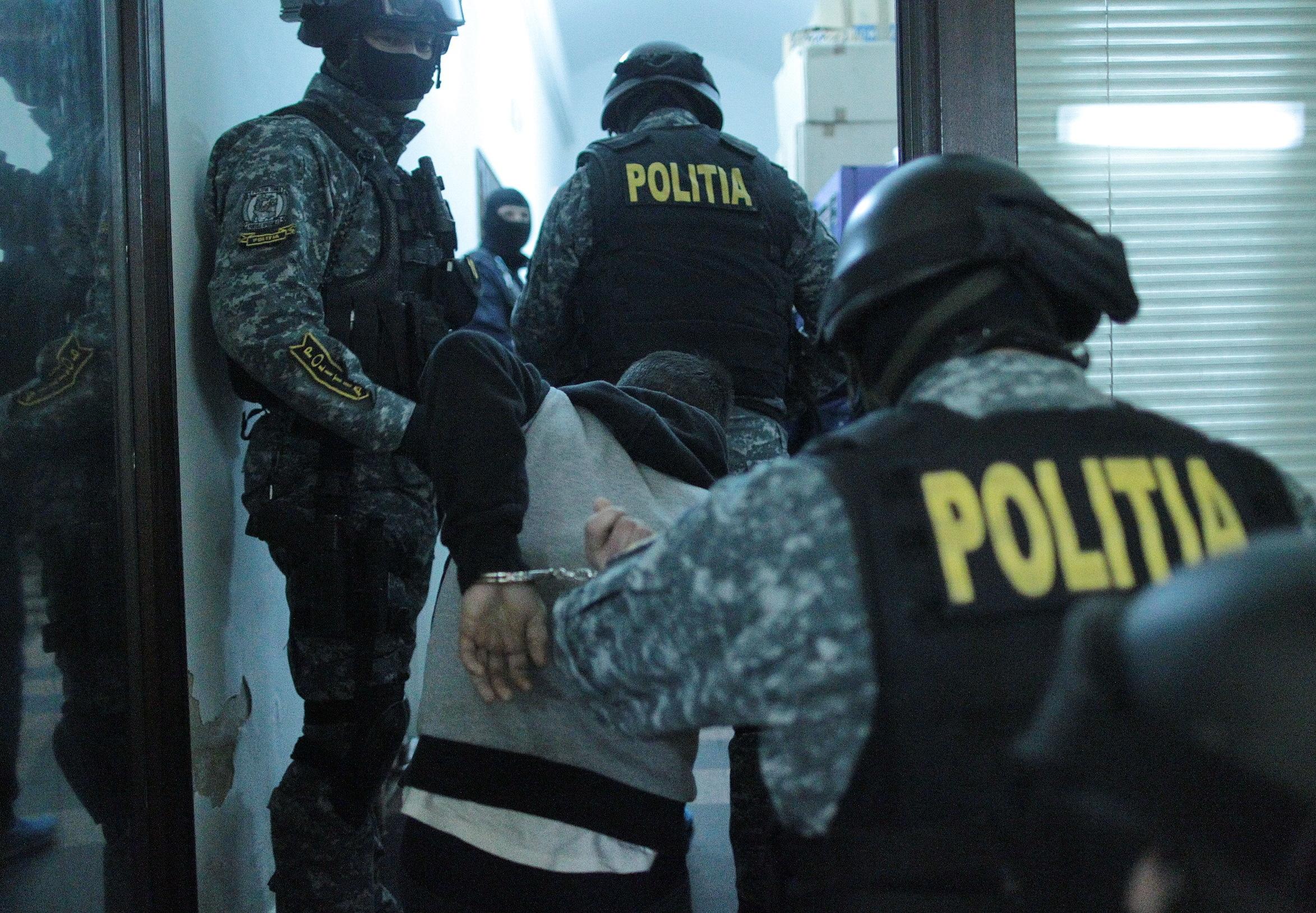 Urmărit internaţional de autorităţile din Germania pentru 16 înşelăciuni, prins în Vâlcea