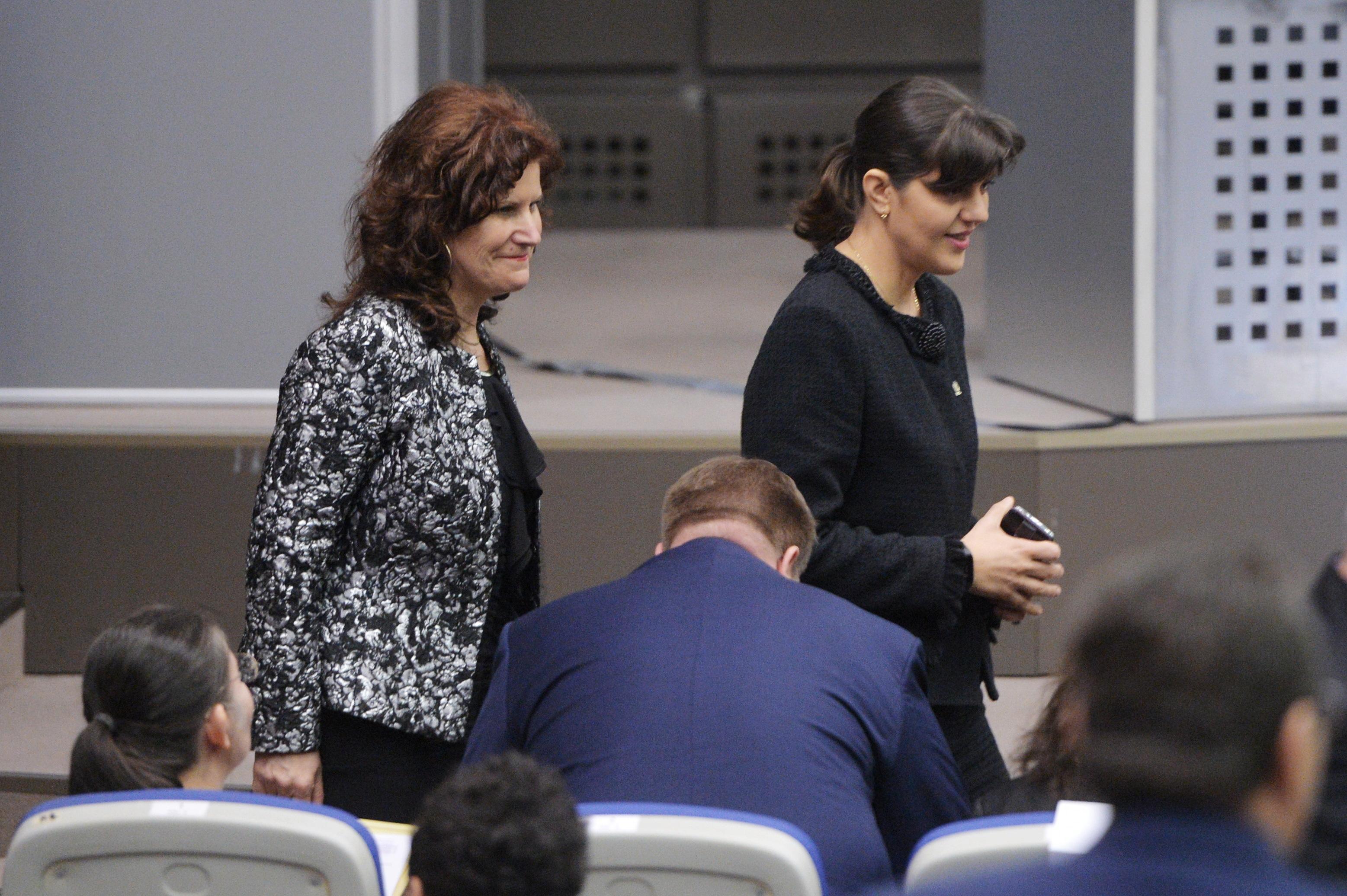 Kovesi, chemată din nou la Parlament pentru seara în care se aştepta rezultatul alegerilor din 2009, la locuinţa ministrului de interne Gabriel Oprea. Fifor invocă o decizie care permite audierea sa