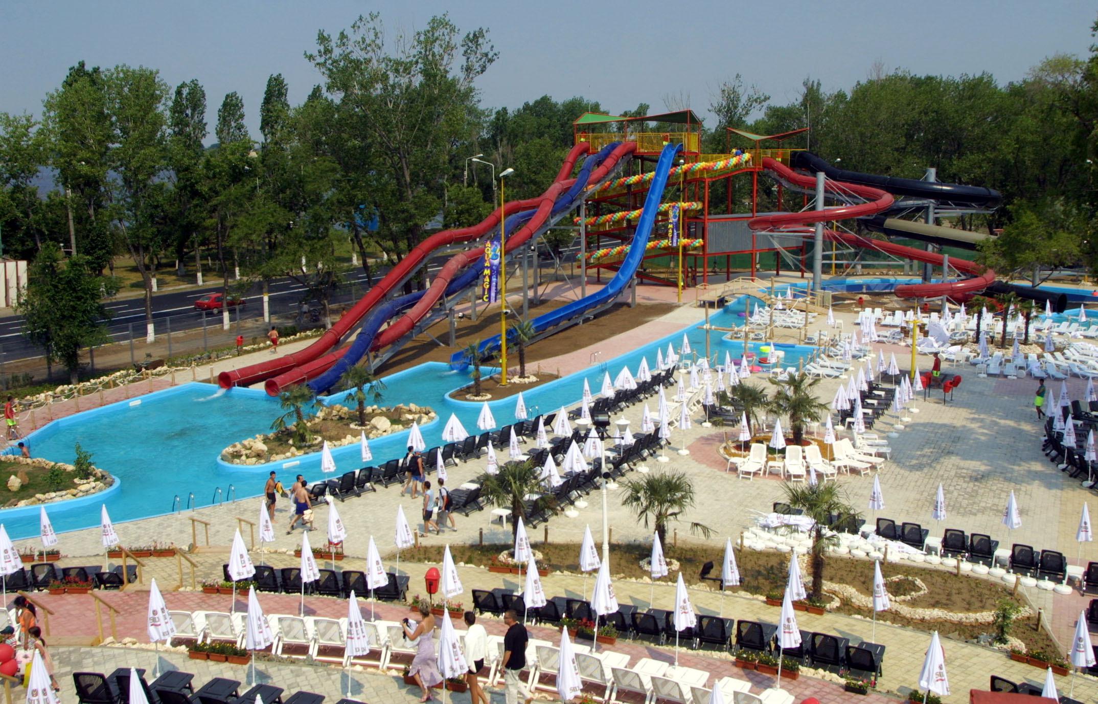 Parcurile acvatice din Mamaia şi Eforie Nord, gratuite pentru toţi copiii. Submarinul şi toboganul de mare viteză, printre noile achiziţii făcute pentru a atrage turiştii