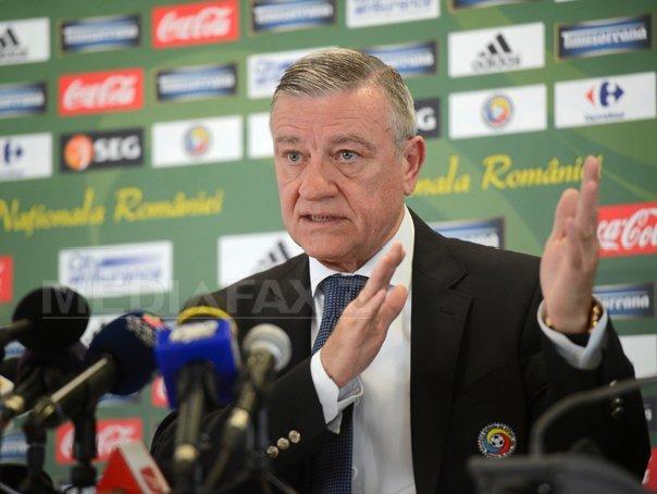 Mircea Sandu, audiat la DNA. Fostul preşedinte FRF spune că nu ştie în ce dosar a fost chemat. Surse: Plângere făcută de omul de afaceri Adrian Mititelu, fost patron FC U Craiova