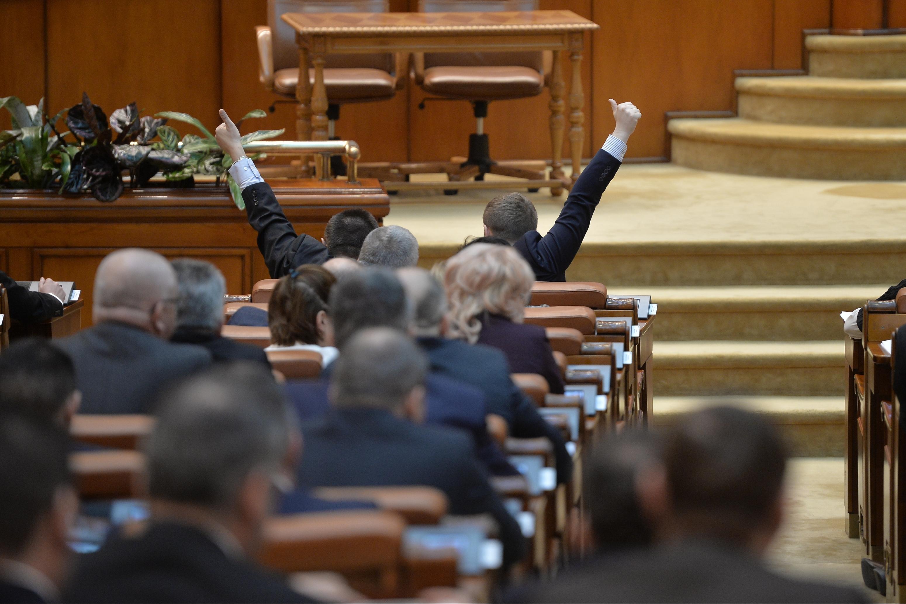 PSD, confruntat cu o revoltă în interior. Florin Buicu şi Doina Pană, deputaţi ai puterii, despre trocul iniţial UDMR-PSD: N-am să votez NICIODATĂ ceva care să aducă atingere ţării mele, poporului meu