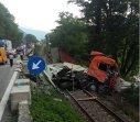 Imaginea articolului Trafic feroviar blocat în judeţul Vâlcea după ce un TIR s-a răsturnat peste calea ferată