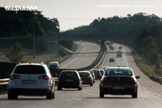 Imaginea articolului INCENDIU de vegetaţie pe Autostrada Soarelui: Circulaţie a fost reluată după ce a fost deviată între kilometri 105 şi 143