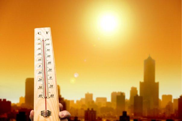 Imaginea articolului Cod PORTOCALIU şi cod galben de CANICULĂ: Temperaturile ajung şi la 40 de grade Celsius. Harta zonelor afectate