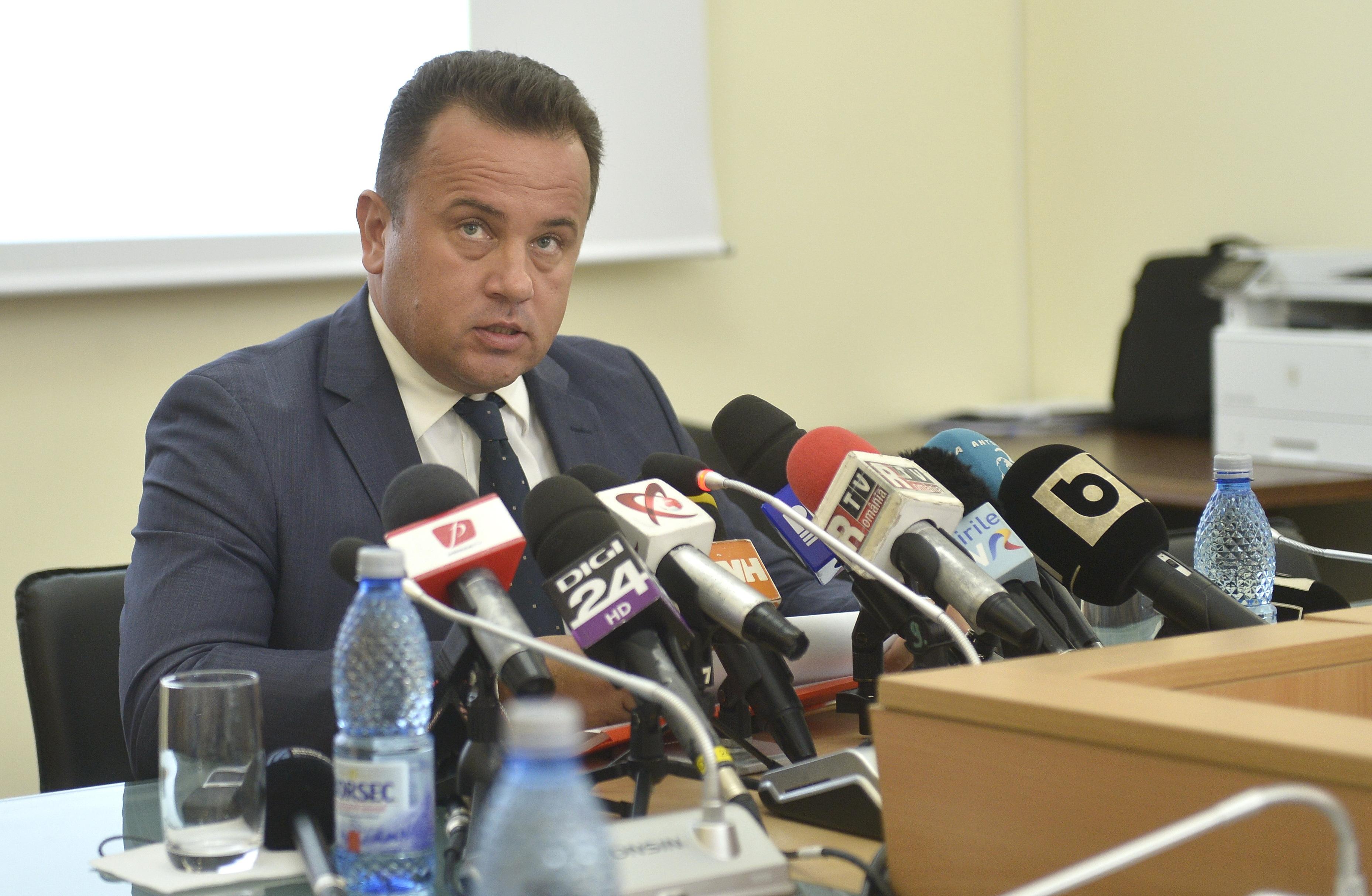 Liviu Pop, ministrul Educaţiei: Luăm în calcul introducerea înscrierii online la liceu, pentru elevii din provincie