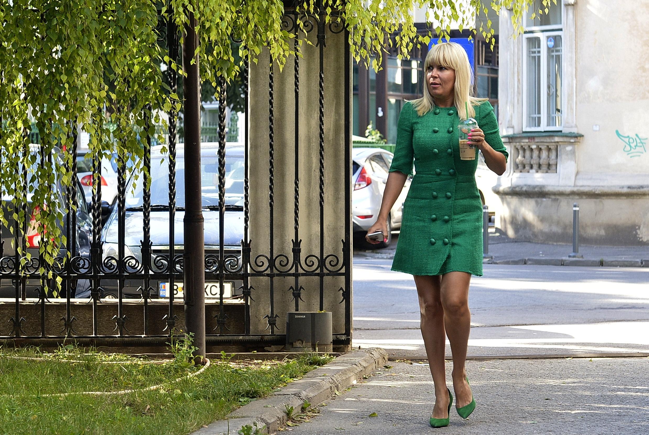 FOTO | Udrea contra Kovesi: Ar fi obligatoriu să fie demisă. Voi face plângere la CSM