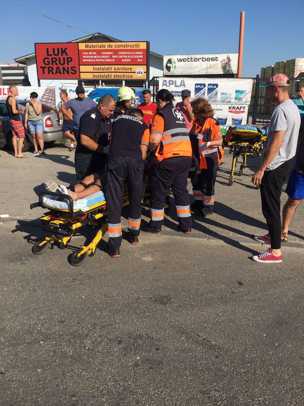 FOTO Două persoane, grav rănite, în urma unui accident în Ilfov. Traficul se desfăşoară cu dificultate