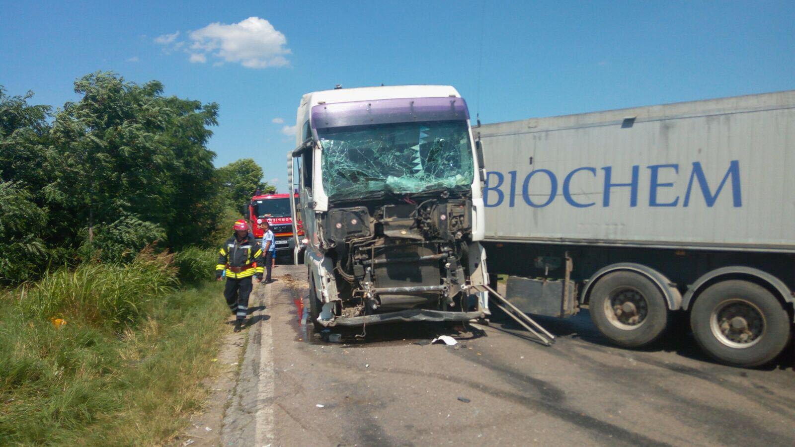 S-a stabilit CAUZA accidentului din Teleorman: Defecţiuni tehnice ale TIR-ului implicat/ Nouă răniţi au fost transportaţi în Capitală