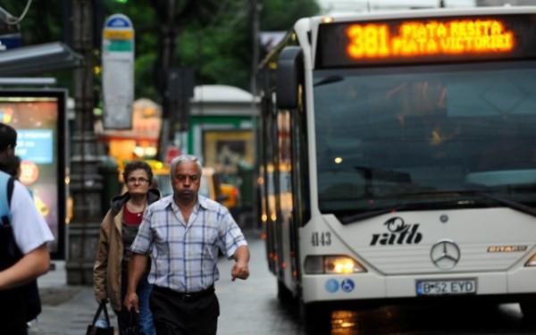 Schimbări majore de la controlorii RATB: Tichetele de călătorie vor fi verificate la urcarea în mijloacele de transport