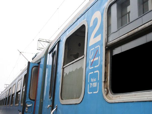Incendiu la un tren cu 50 de pasageri, care circula între Ploieşti şi Braşov