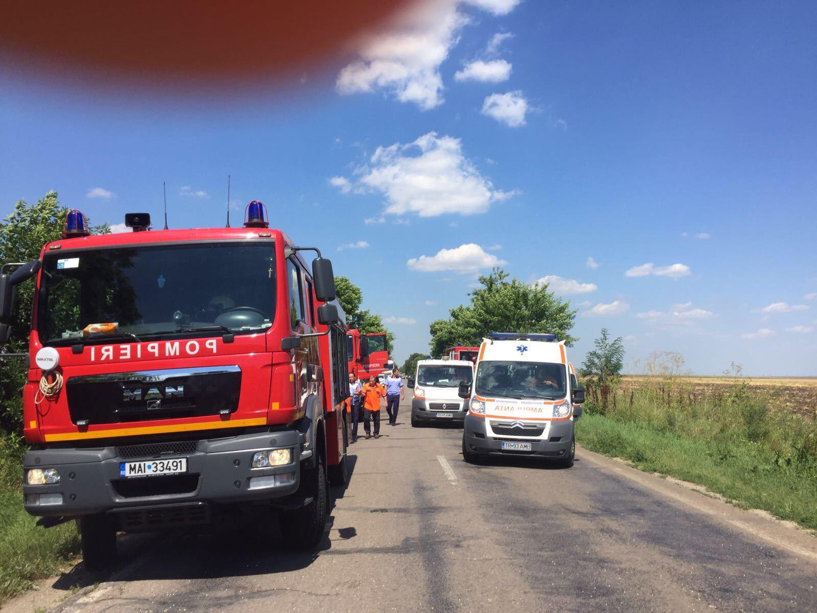 Accident de circulaţie în Cluj | Trei persoane au fost rănite după ce maşina în care se aflau s-a răsturnat într-un şanţ