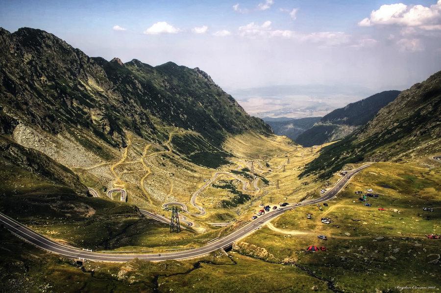 Circulaţie închisă pe Transfăgărăşan pentru filmarea `Record şi drive test Alfa Romeo Auto Italia`