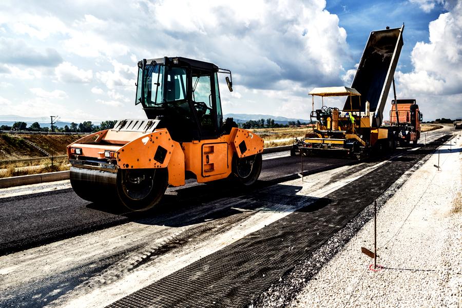 CNAIR îi ameninţă cu rezilierea contractelor pe constructorii autostrăzii care s-a surpat joi