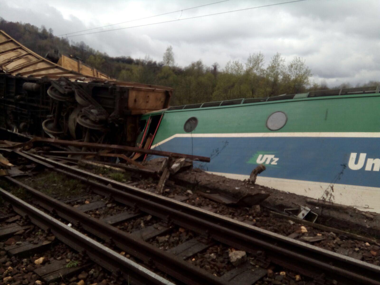 Circulaţie feroviară blocată între Făurei şi Feteşti, după ce mai multe vagoane de marfă au deraiat. Care sunt trenurile de călători afectate de acest incident şi ce opţiuni au pasagerii