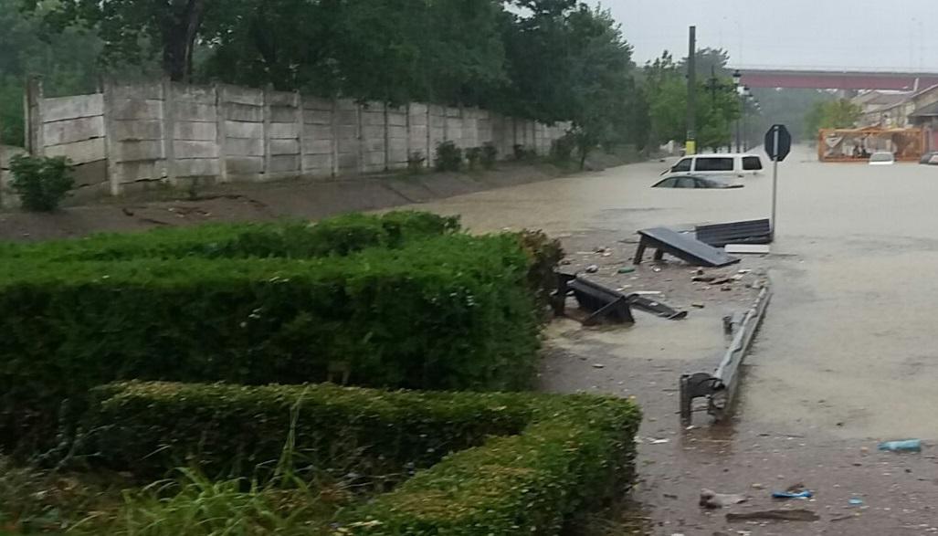 Efectele ploilor din ultimele zile | IGSU: Peste 30 de localităţi din şase judeţe, afectate. 65 de locuinţe, inundate / Cele mai mari probleme, în Constanţa. 10 familii din Cernavodă, relocate