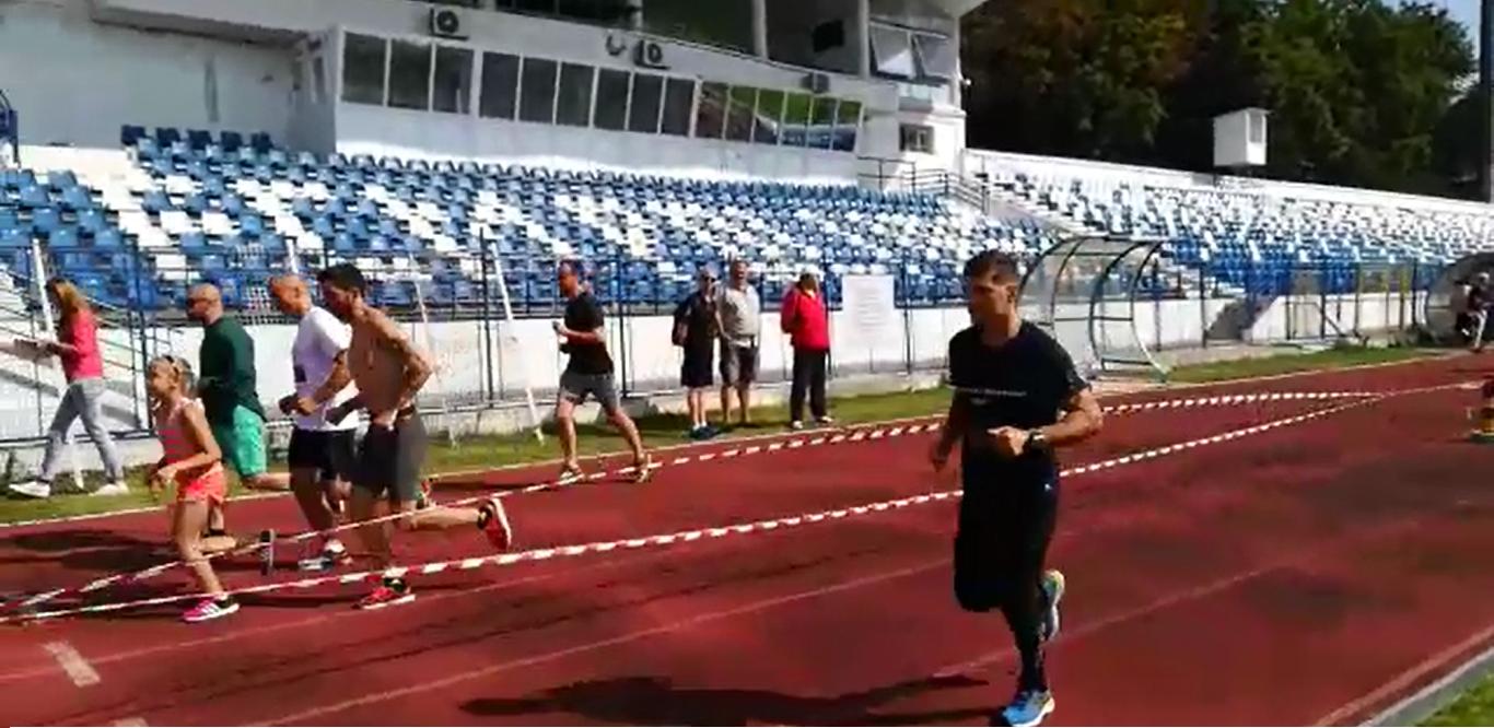 `Maratonul Speranţei`: Un ieşean şi-a propus să alerge 24 de ore fără întrerupere pentru a ajuta o tânără cu o boală incurabilă