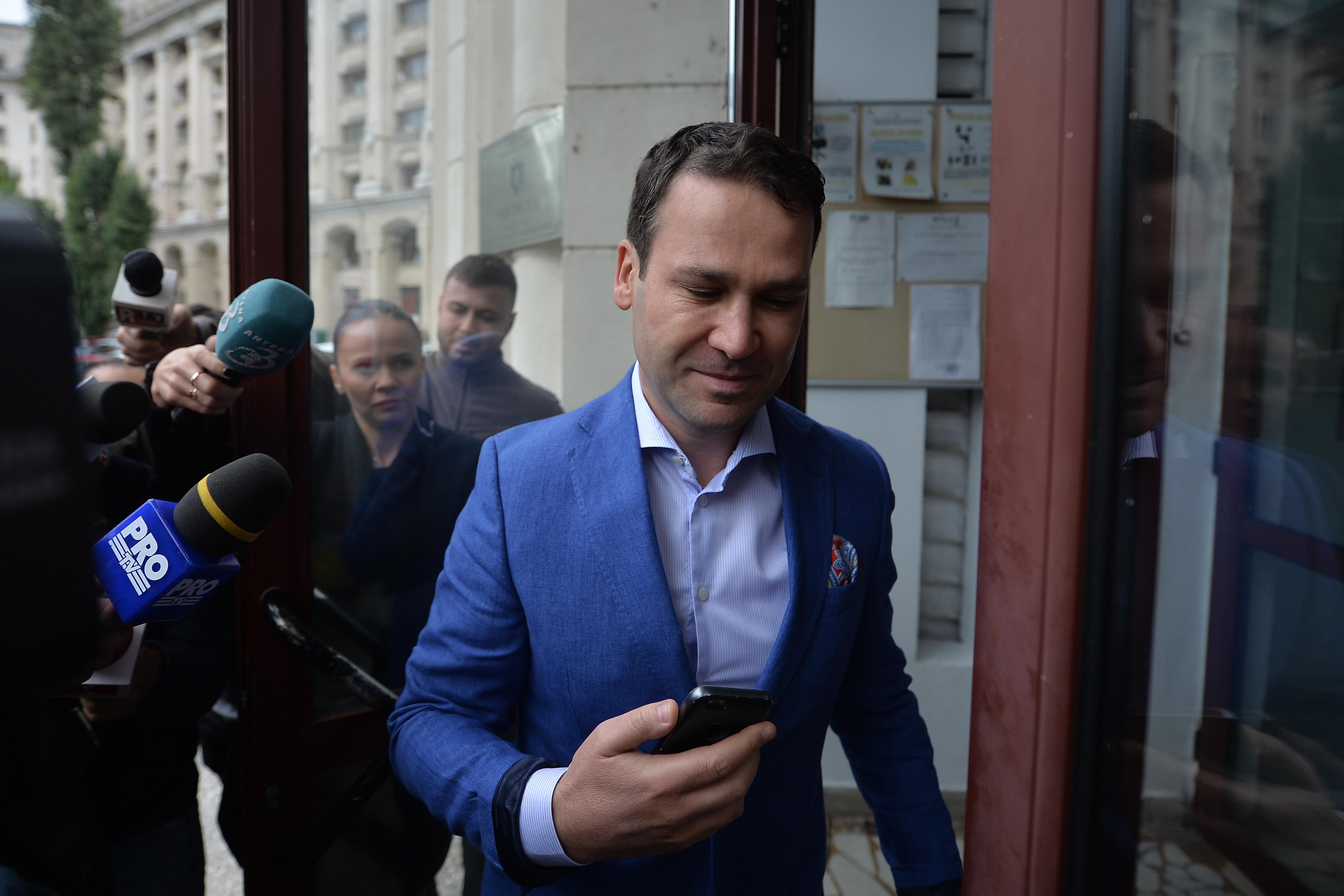 ANAF a scos la vânzare apartamentele lui Robert Negoiţă la jumătate de preţ. Cum îţi poţi cumpăra trei camere cu 17.000 de euro