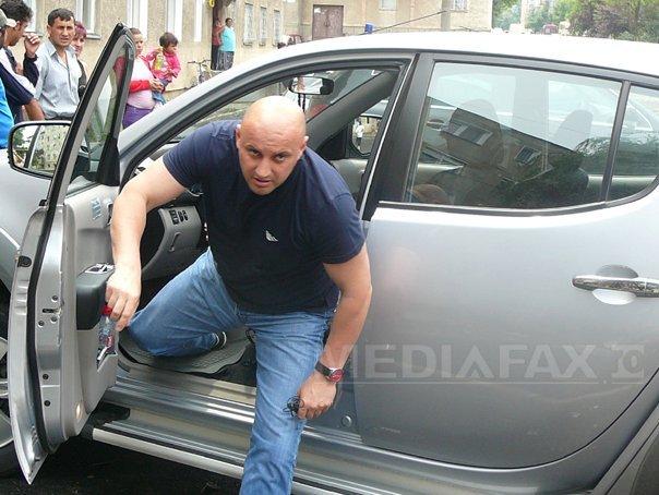 Afaceristul Alin Simota a fost prins pe Aeroportul Otopeni şi dus la Penitenciarul Rahova