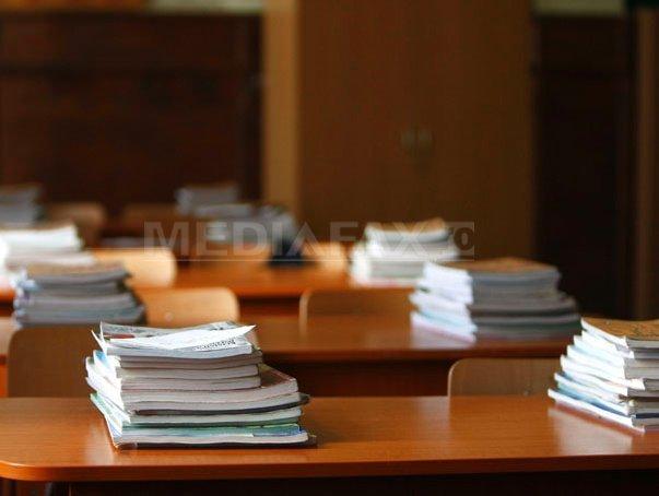 Ministerului Educaţiei: Livrarea manualelor şcolare pentru clasele I-V şi VI-XII este pe ultima sută de metri