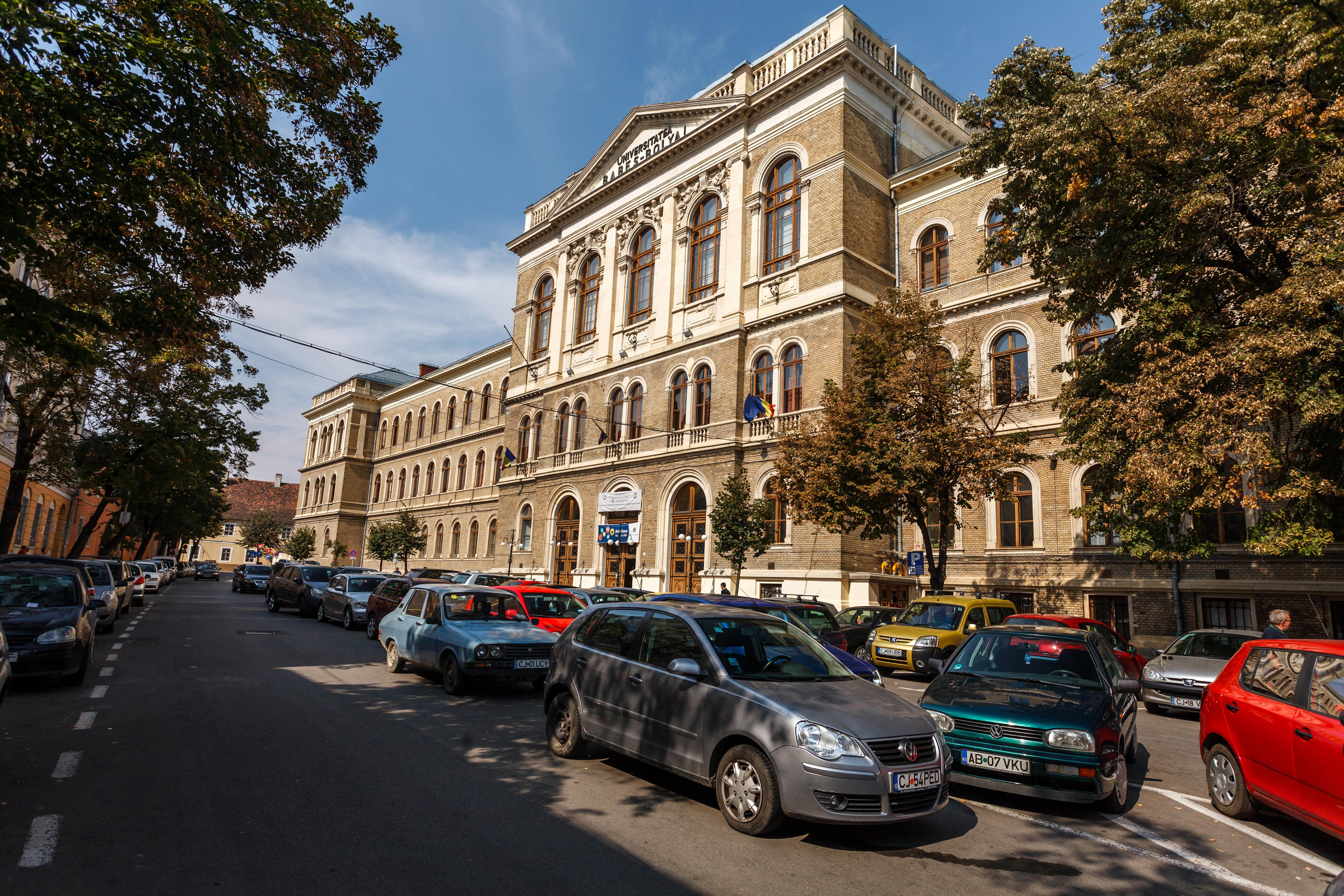Tinerii bucureşteni preferă facultăţile din Cluj: În Cluj nu pierzi două ore pe zi în trafic, oamenii sunt mai politicoşi, iar autorităţile au grijă şi de studenţi, nu doar de pensionari