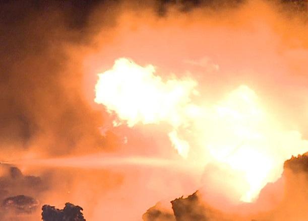 VIDEO | INCENDIU puternic de litieră în Mehedinţi. Pompierii care acţionau în Parcul Domogled au fost redirecţionaţi