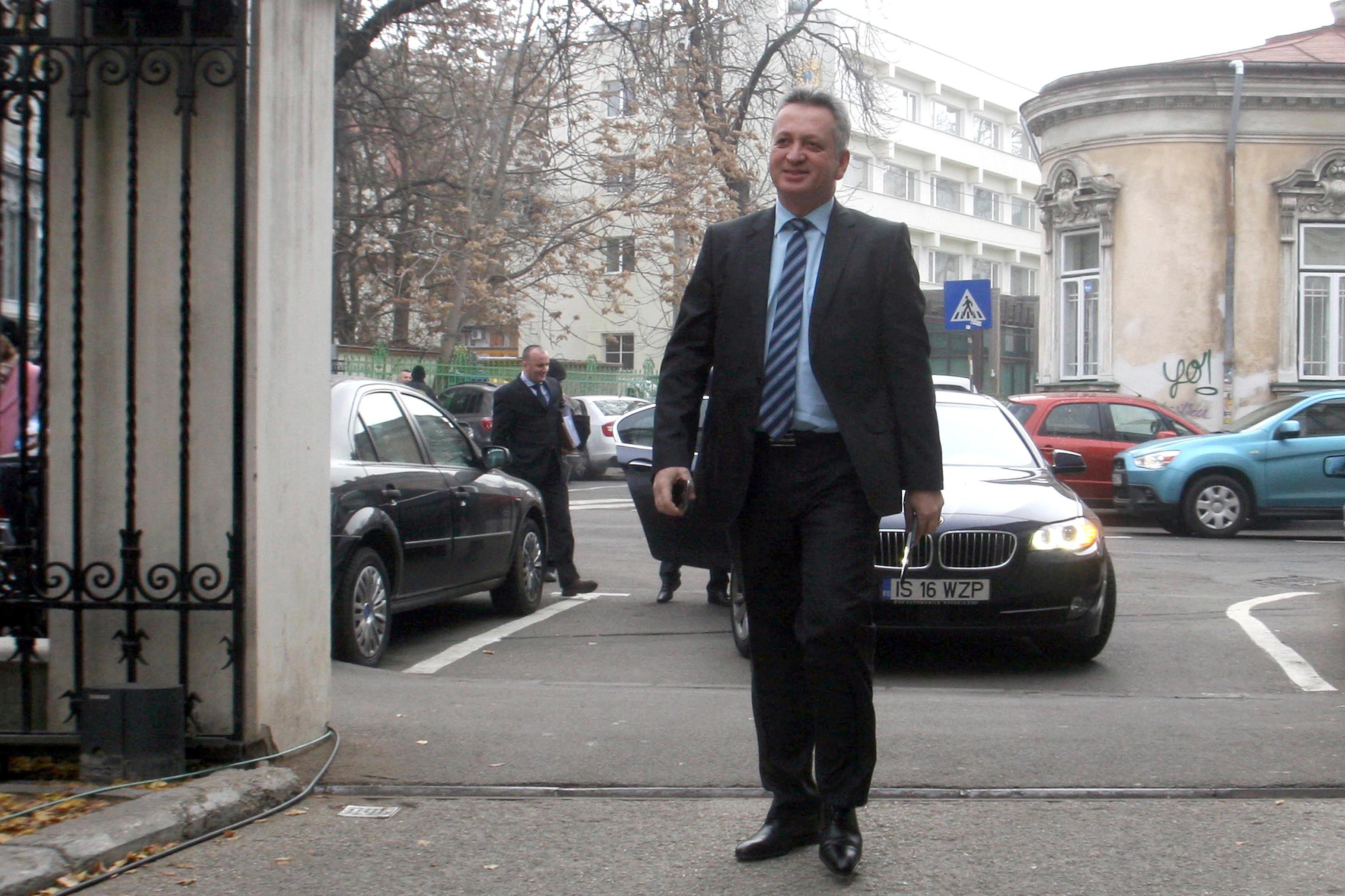 Relu Fenechiu, fost ministru al Transporturilor, va fi eliberat condiţionat. Decizia, definitivă