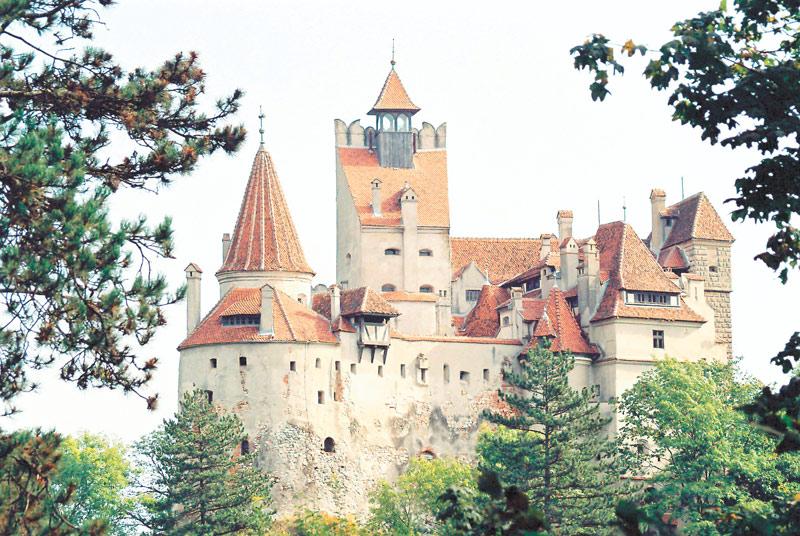 Muzeul Bran rămâne deschis după ce ministrul Culturii a obţinut o amânare de 9 luni