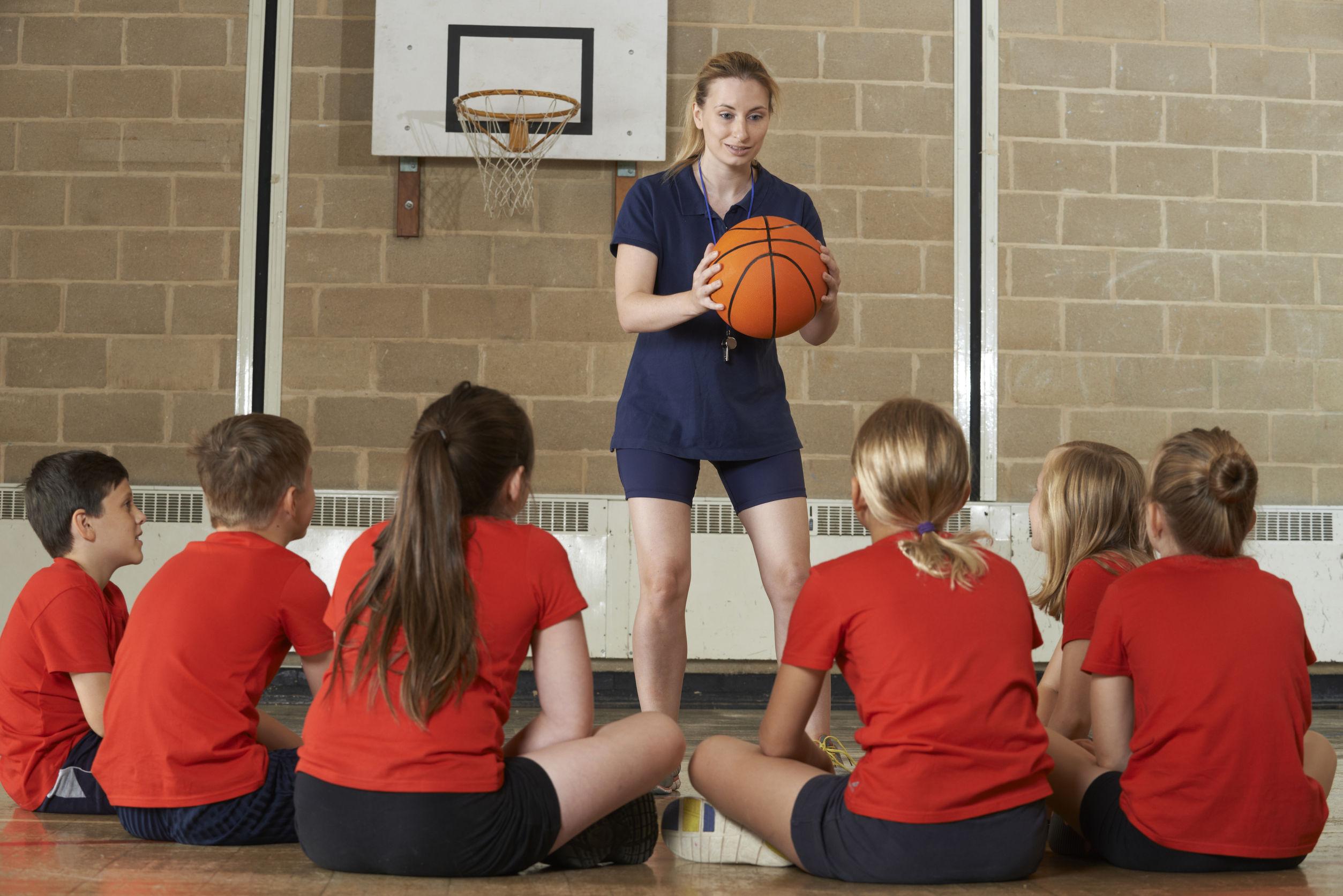Programul `Şcoala după şcoală` se modifică: elevii vor avea zilnic 30 de minute de sport, joc şi mişcare