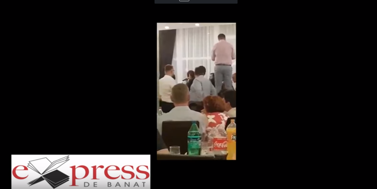 Şefi din CJ Caraş-Severin, filmaţi dansând la petrecere în timpul unui curs organizat pe bani publici