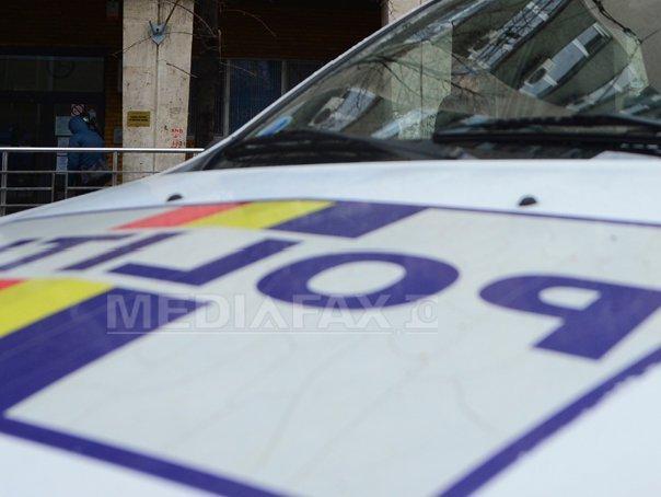 Scandal în plină zi: Administratorul unui târg ilegal a lovit un poliţist, în timpul acţiunii de dezafectare a spaţiului