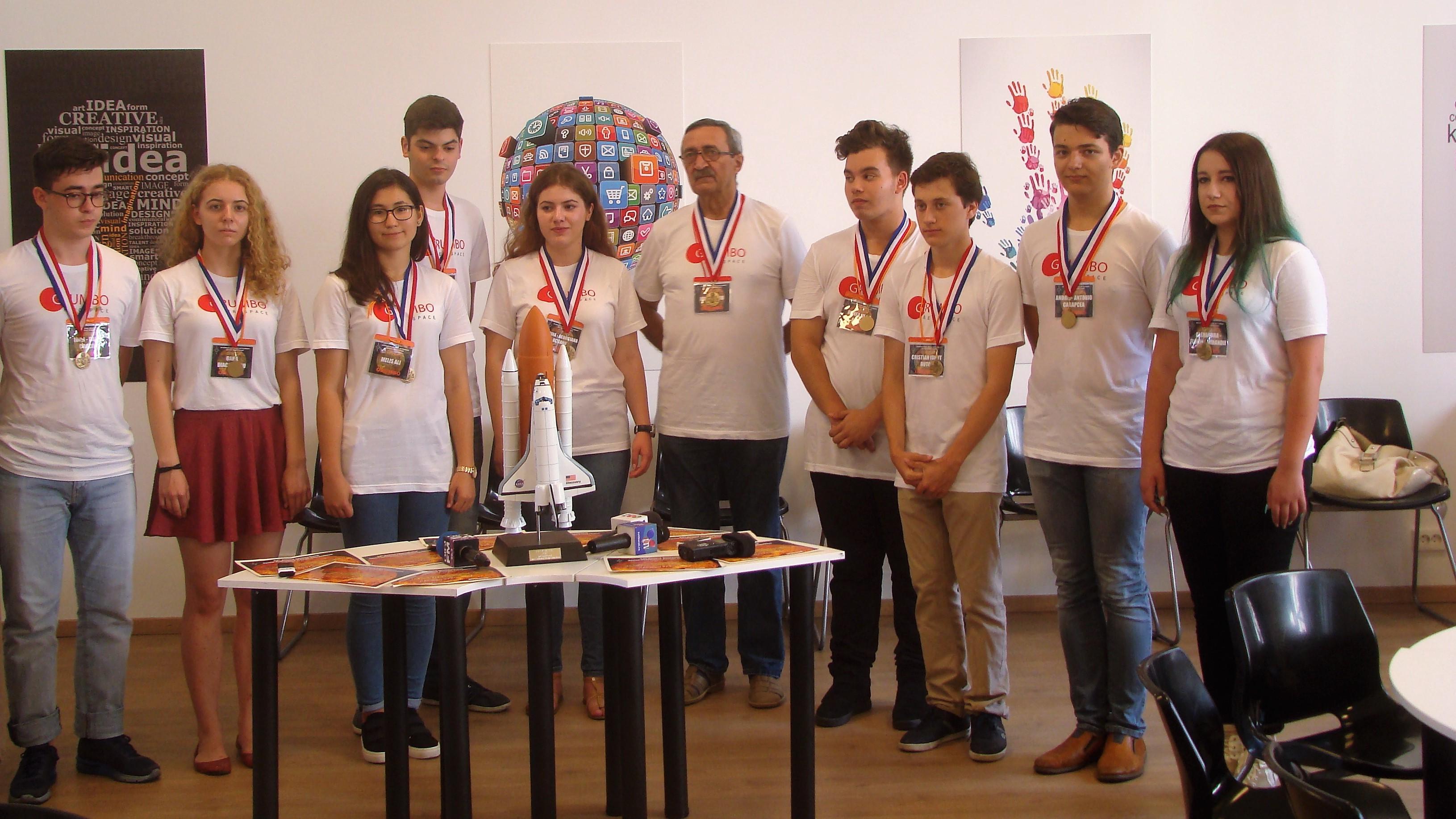 Nouă elevi din Constanţa au câştigat o competiţie a NASA, după ce au stabilit o aşezare pe Venus