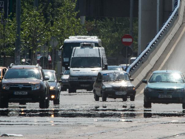 CNAIR va reduce restricţiile de circulaţie din zonele unde se execută lucrări, în perioada minivacanţei de Sfânta Maria/ Pe ce drumuri naţionale şi autostrăzi vor exista restricţii