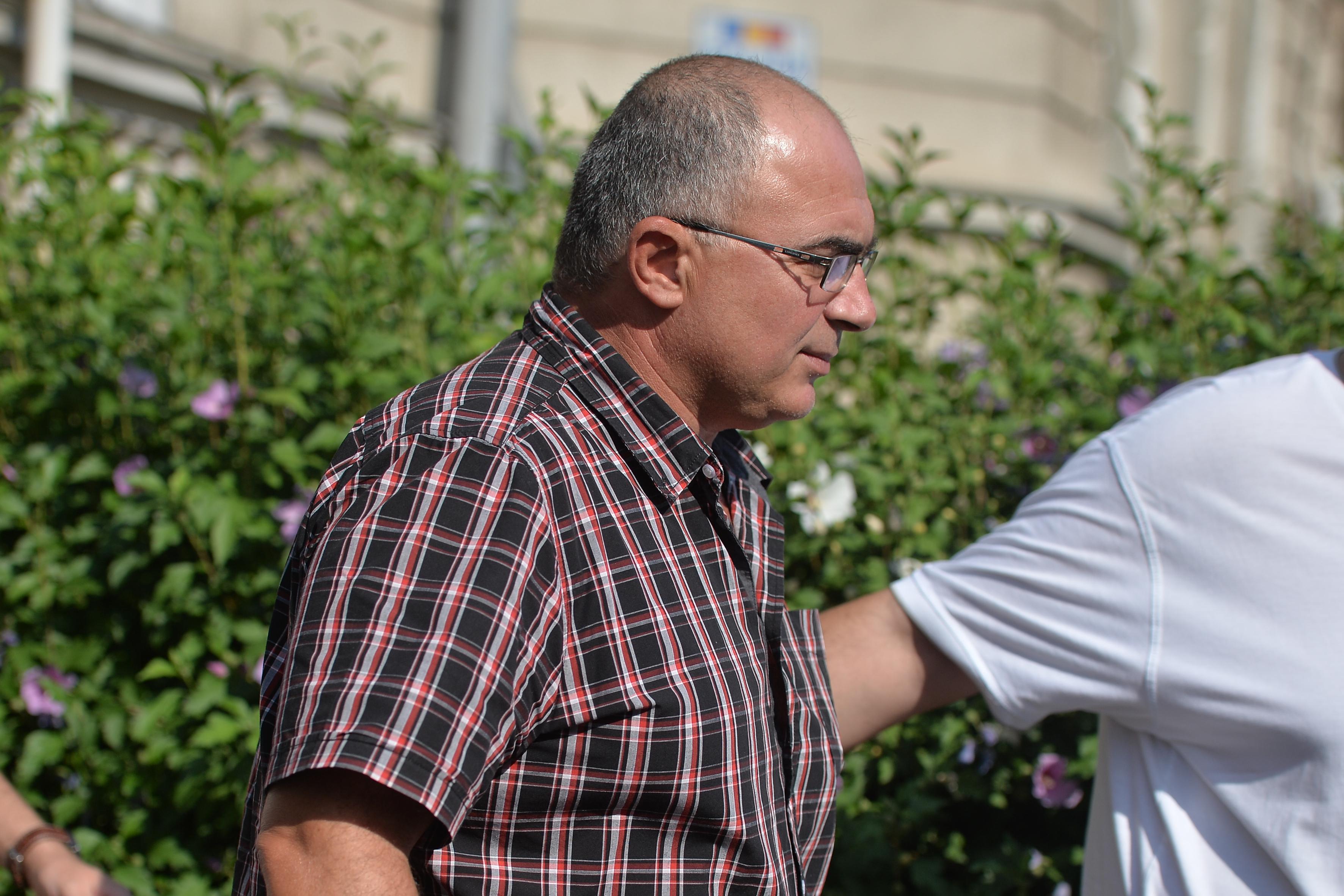 Avocat: Ilie Dragne, administratorul fermei deţinute de fiul lui Liviu Dragnea, pus sub control judiciar