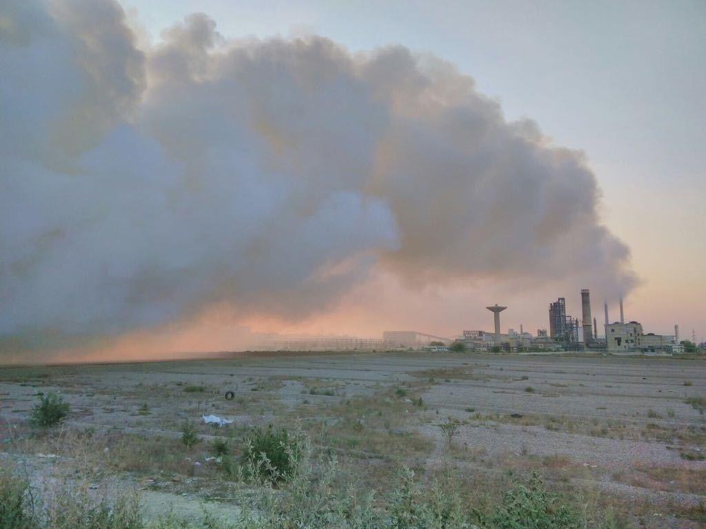 FOTO   INCENDIU la groapa de gunoi a municipiului Bacău. 30 de pompieri intervin pentru stingerea flăcărilor
