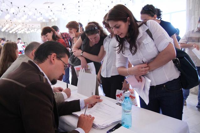 Motivul pentru care în România există o criză a forţei de muncă, deşi, statistic, ţara are o rezervă de 4 milioane de oameni apţi de muncă, dar care nu sunt salariaţi