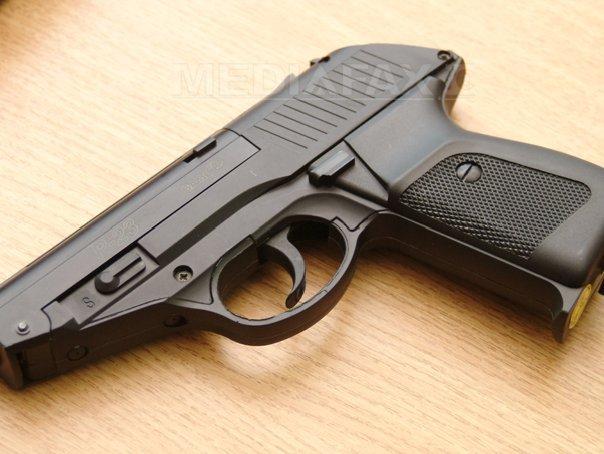 Un poliţist din Gorj, în vârsta de 27 ani, găsit împuşcat cu arma din dotare