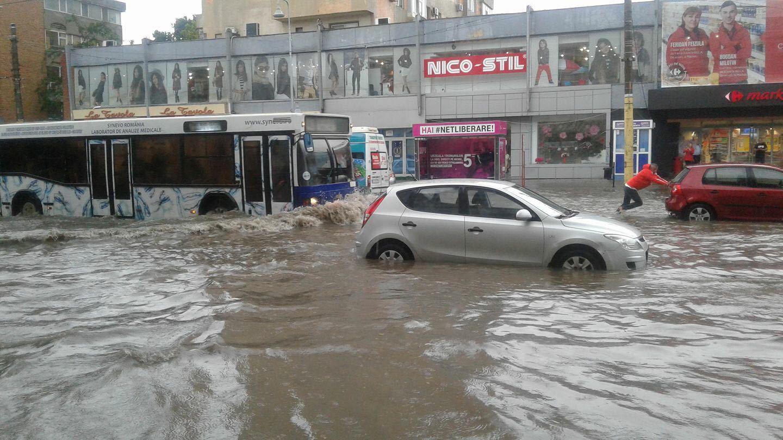 NEWS ALERT: Meteorologii au emis cod galben de inundaţii. Ce judeţe sunt vizate
