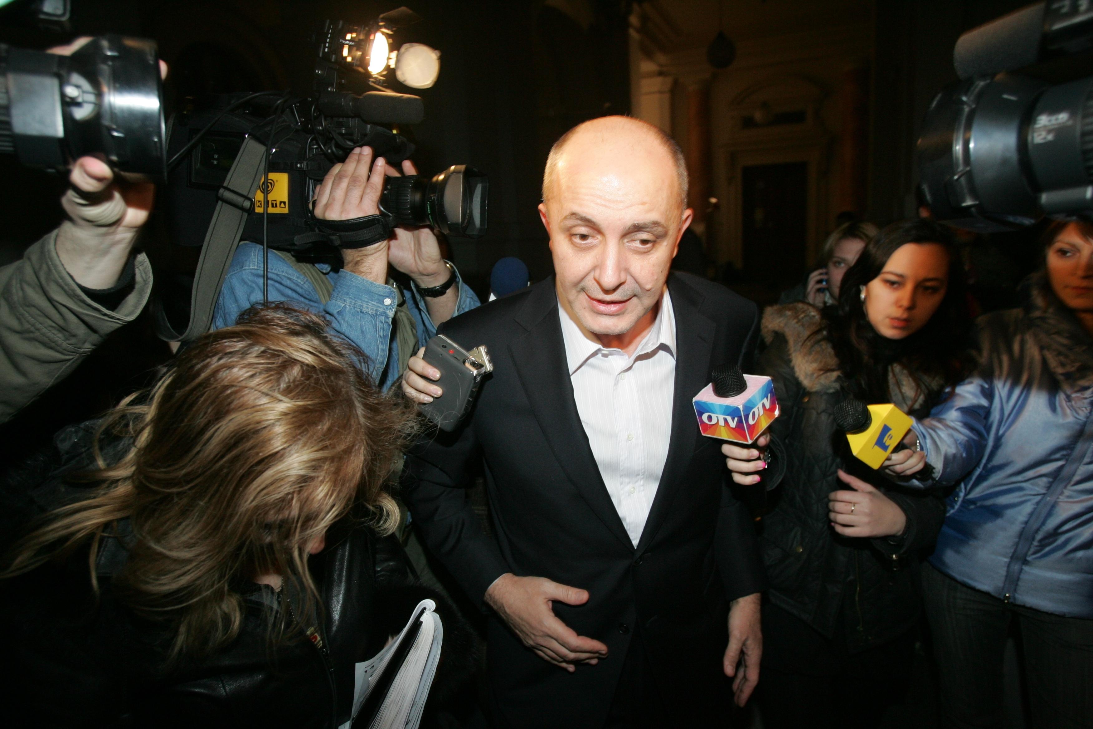Gabriel Popoviciu a fost reţinut la Londra. UPDATE: Omul de afaceri a mers la secţia de poliţie, alături de avocatul său