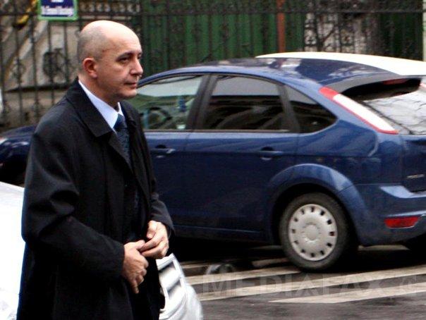Gabriel Popoviciu, eliberat pe o cauţiune de 200.000 de lire şi obligat să poarte brăţară de supraveghere