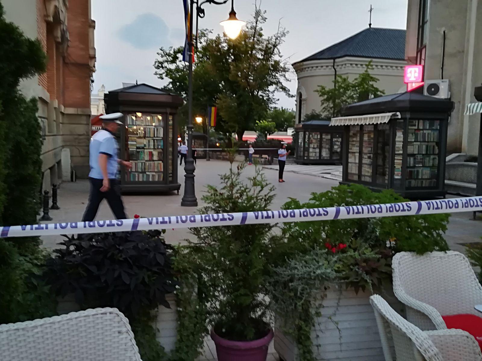 GALERIE FOTO, VIDEO   ALERTĂ pe o stradă din centrul Iaşiului unde a fost semnalată prezenţa unui colet suspect