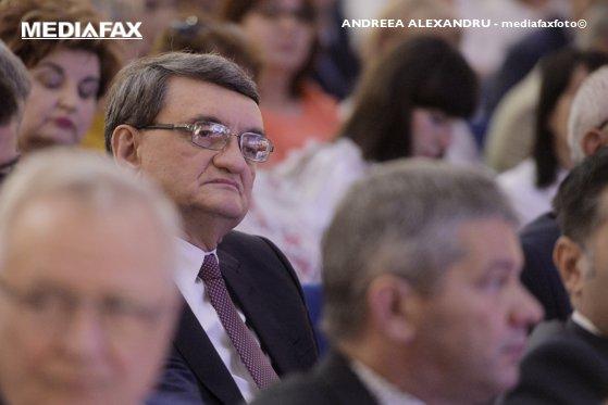 """Imaginea articolului Avocatul Poporului amână să atace la CCR majorarea CAS şi CASS pentru contractele part-time şi cere """"lămuriri"""" de la autorităţi"""
