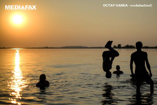 Imaginea articolului Vremea va fi în continuare călduroasă, caniculară după-amiaza. PROGNOZA METEO pentru weekend