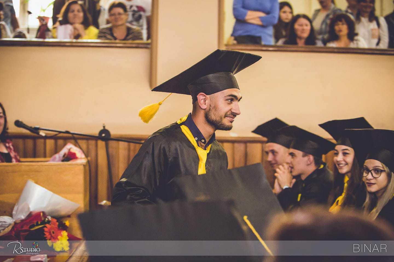 FOTO | Tânăr de etnie romă, admis la Academia de Poliţie: `O să muncesc mult. Este visul meu împlinit`