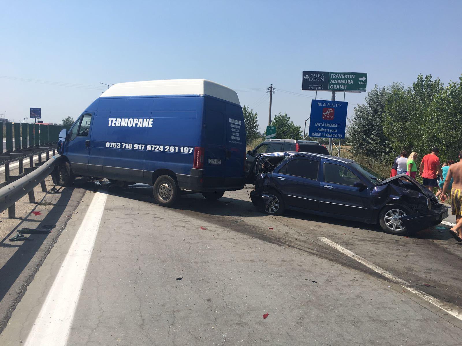 Trafic deviat pe Autostrada Soarelui din cauza unui accident în care au fost implicate patru maşini