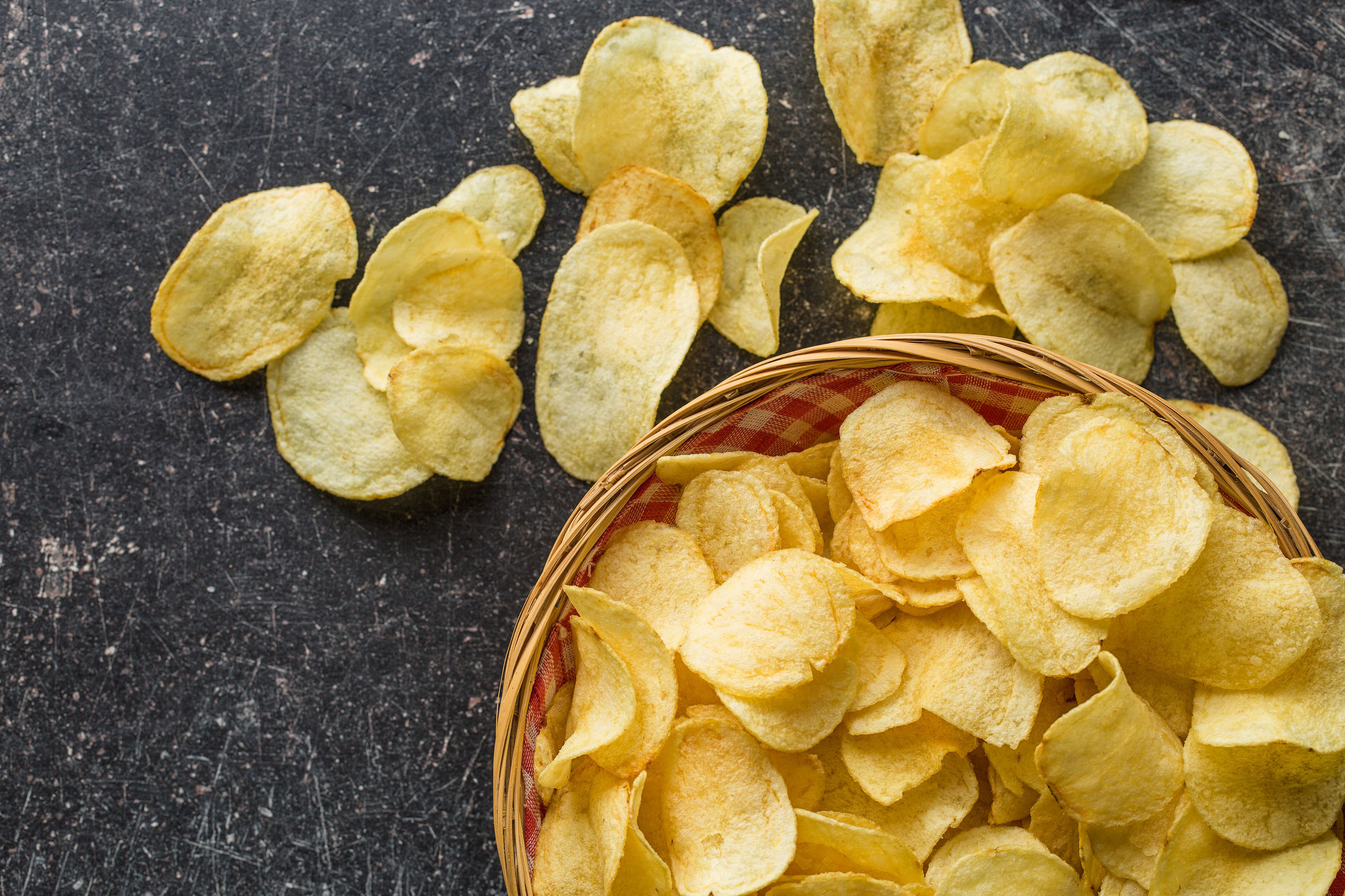 Fabricile de chipsuri au nevoie de cartofi, astfel că recoltarea din Harghita a început mai devreme: Asemenea producţie la un hectar nu a mai fost de 20 de ani
