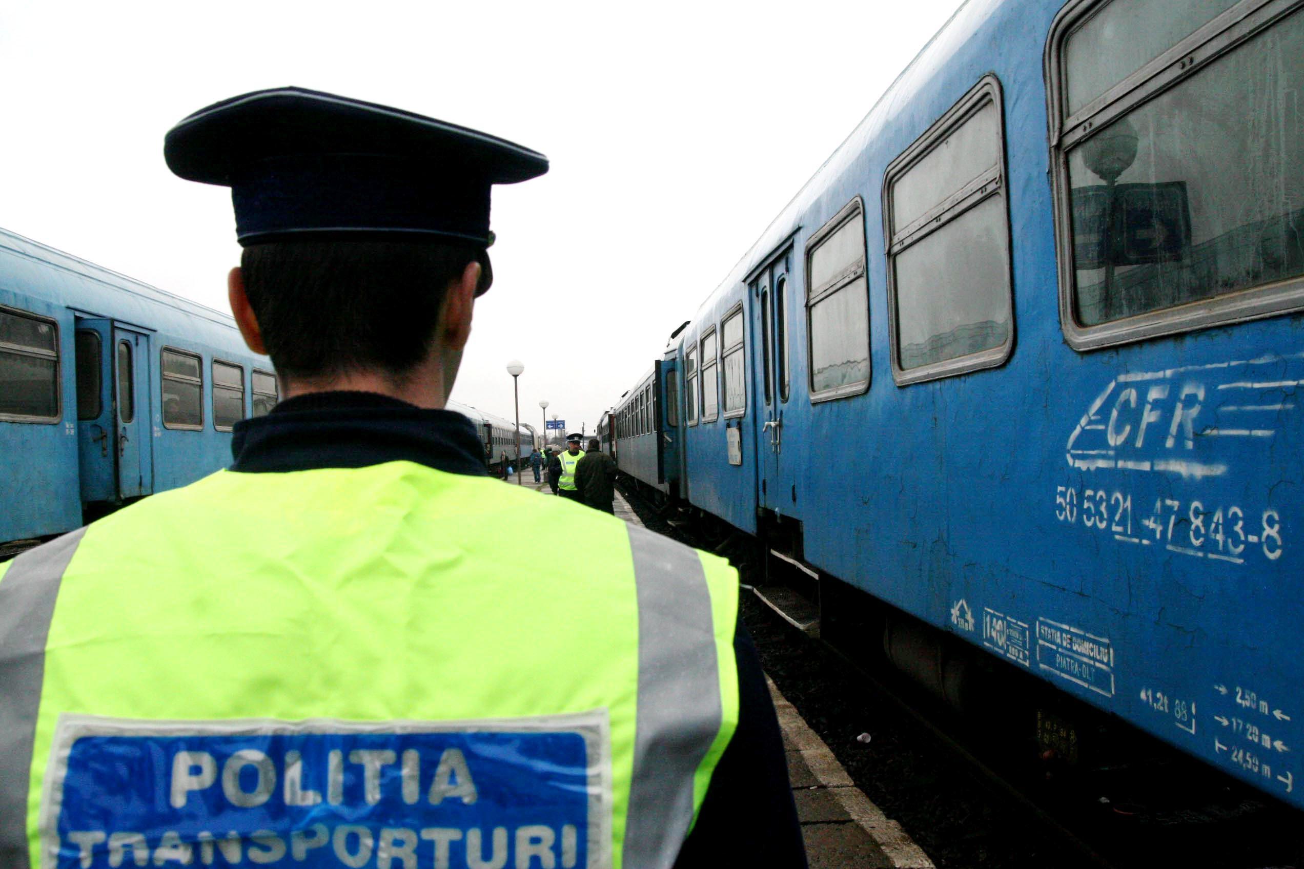 Percheziţii în Prahova şi Ialomiţa la hoţi de benzină şi motorină din trenuri
