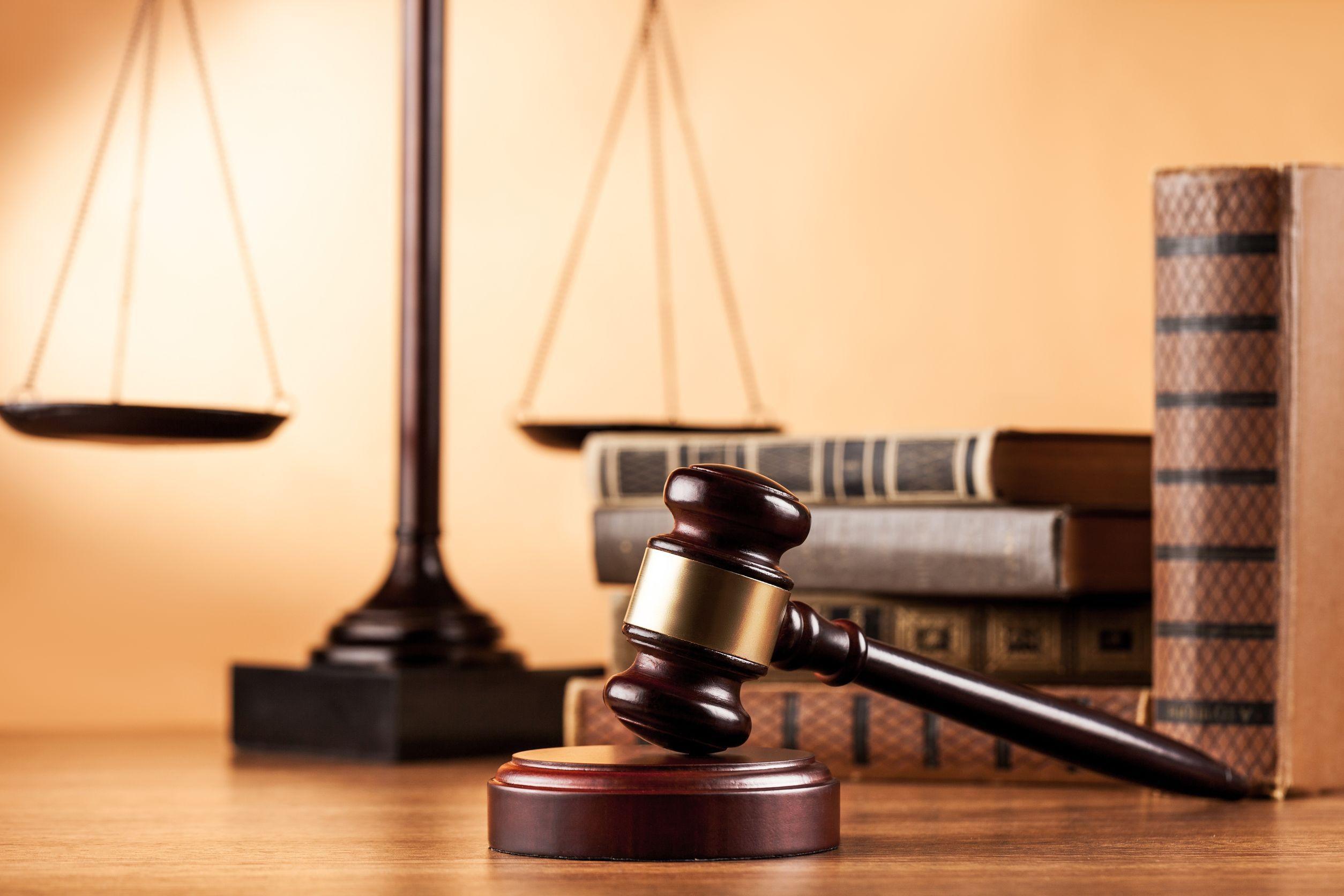 Magistraţii condamnaţi pentru vătămare corporală nu vor mai putea să-ţi păstreze funcţia