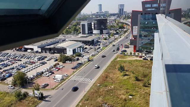 De ce fug companiile de birourile din Pipera: Primăriile Voluntari şi Bucureşti au `modernizat` de dragul modernizării, iar lucrările au dus la creşterea numărului accidentelor rutiere. Situaţia se poate repeta şi pe strada Fabrica de Glucoză