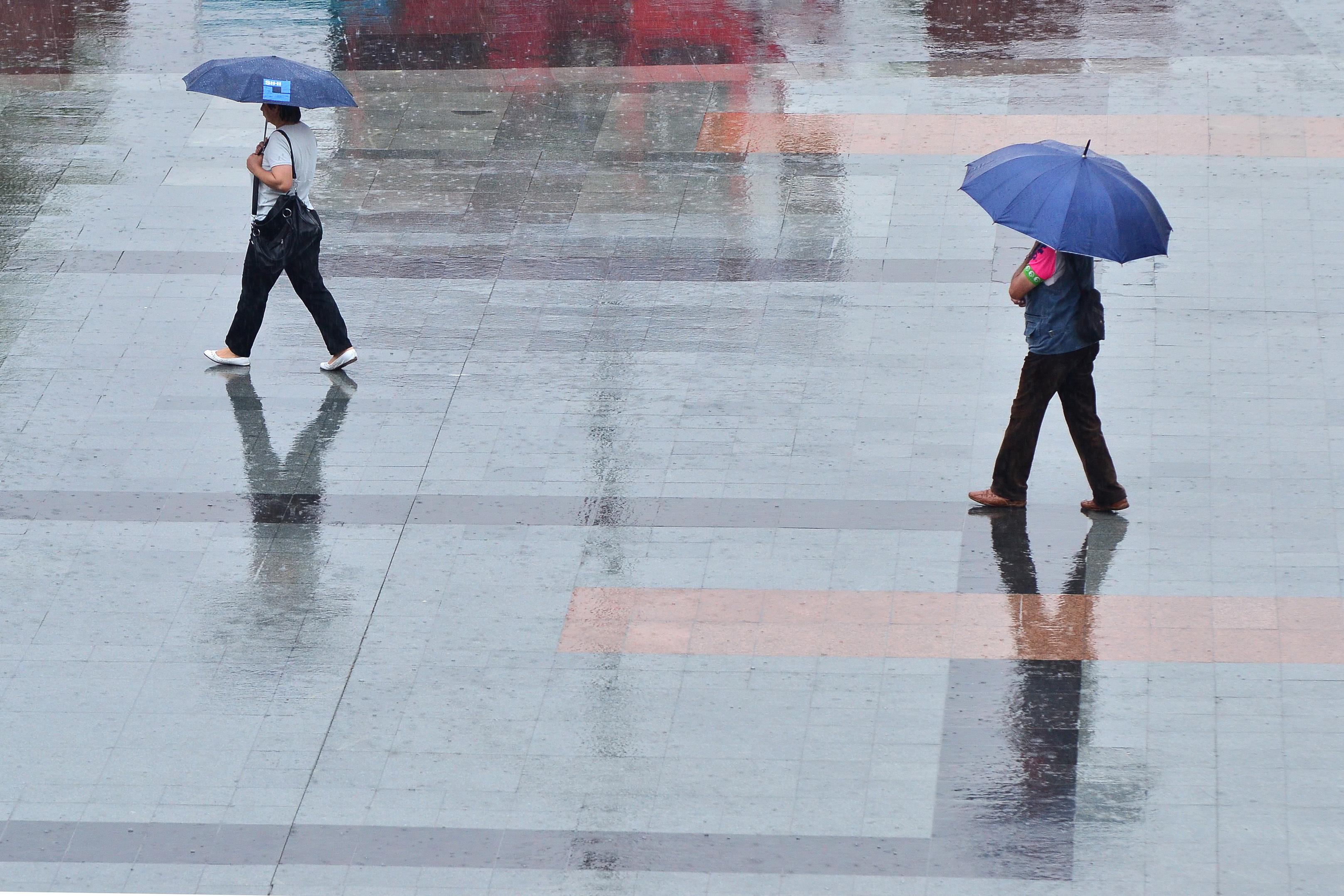 Temperaturile vor scădea în cea mai mare parte a ţării. PROGNOZA METEO pentru luni şi marţi