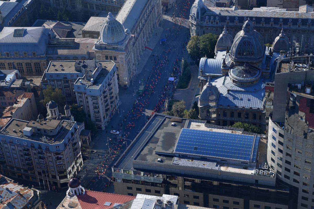 Calea Victoriei se închide din nou circulaţiei rutiere şi va fi, sâmbătă şi duminică, stradă pietonală